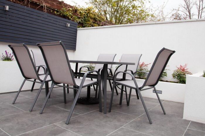 Zahradní nábytek – Výhody a nevýhody materiálů
